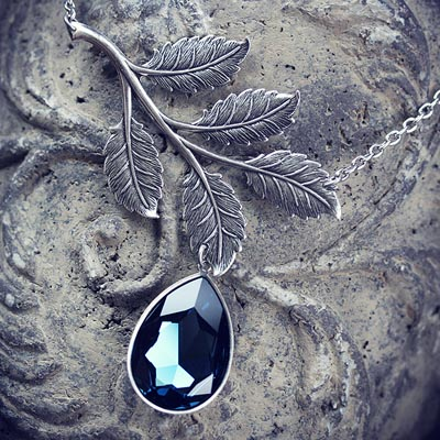 Midnight Willow Necklace