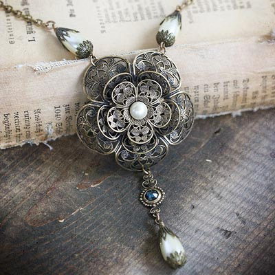 Victorian Garden Necklace